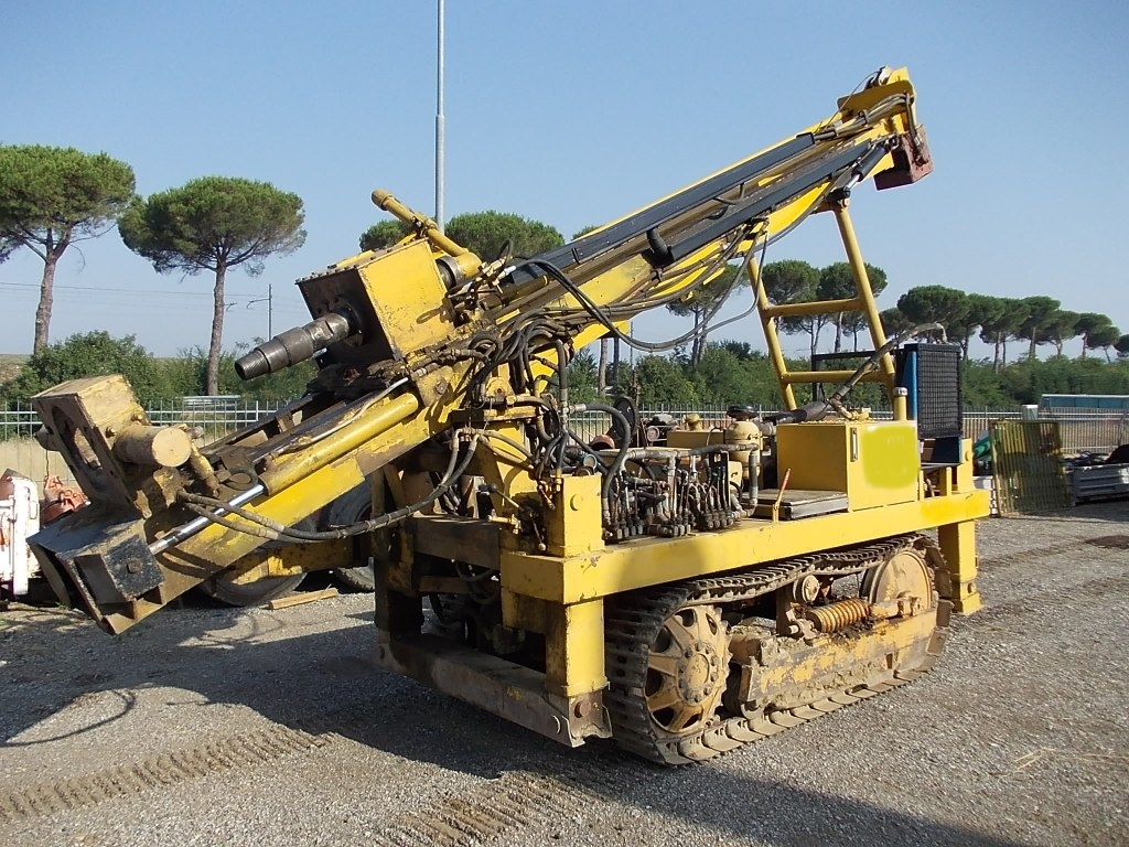 Perforatrice Cingolata Per Pozzicrawler Drill Rig For